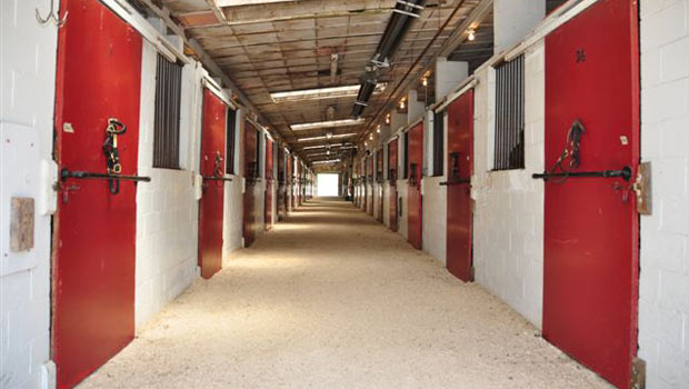 red-white-barn-aisle